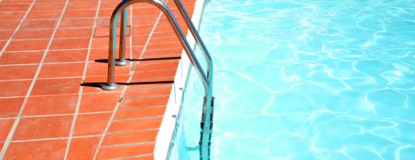 Construcci n de piscinas m laga consejos construcci n for Construccion de piscinas en malaga